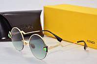 Солнцезащитные очки Fendi круглые черные