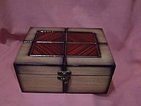 Шкатулка деревянная лакированая для мелочей 20х15х9 сантиметров