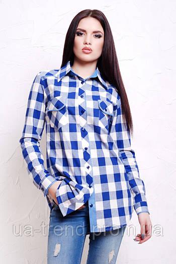 Женская белая рубашка в крупную синюю клетку