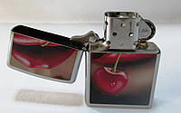 ЗажигалкаZIPPO(28655)под сталь(хром) , глянец, рисунок -  губы с черешней, фото 1