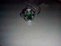 Кольцо с камнем зеленый аметист в серебре.