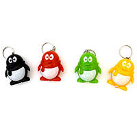 Брелки пингвинчик с фонариком (20)
