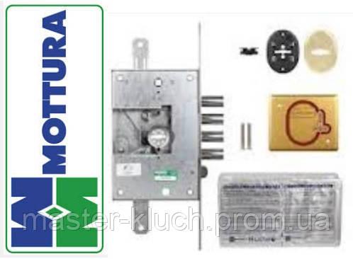 Дверной замок Mottura 52N771 со сменной сувальдной частью