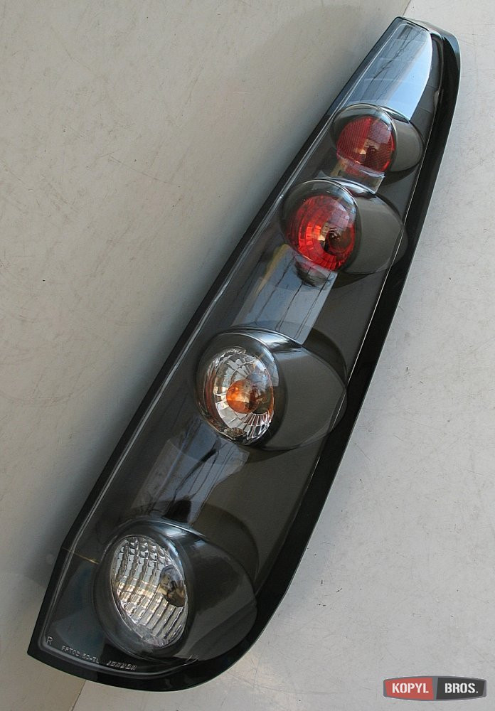 Задние фонари Ford Fiesta 2002-2008 - Интернет-магазин запчастей и аксессуаров PLANETA-AUTO.COM.UA в Сумах