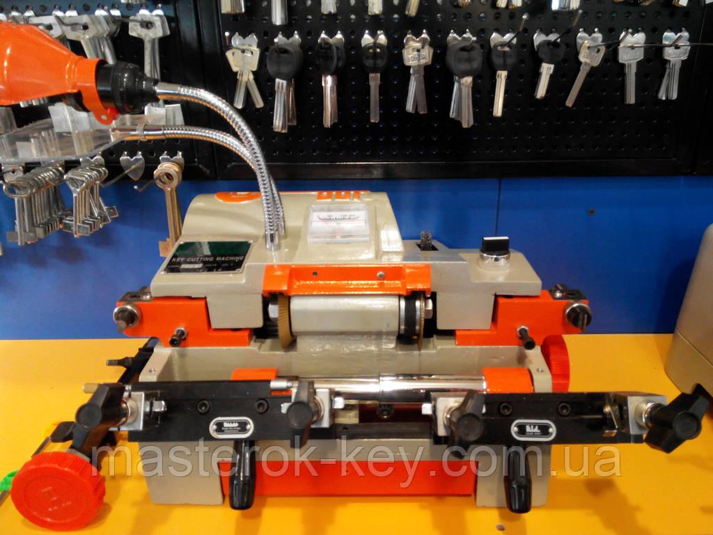 Станок для изготовления ключей универсальный  Faxiang 100E комбайн