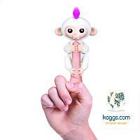 Ручная интерактивная обезьянка Fingerlings (белая) W3700/37023 WowWee