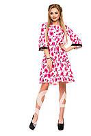 Белое в розовые цветы пышное платье-трапеция с кружевной отделкой