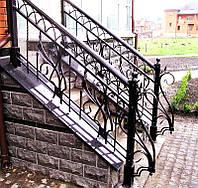 Кованое ограждение лестницы. Входная группа.