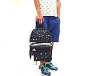 Спортивный рюкзак adidas, черный с принтом, материал - полиестер с водоотталкивающей пропиткой