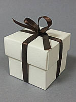"Бонбоньерка коробочка с крышечкой ""айвори"""