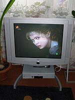 Телевизор,видео,подставка Loewe . Супер состояние!