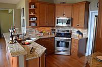 Угловая кухня из массива дерева
