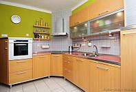 Угловая кухня с пленочными фасадами