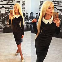 Красивое черное платье из бархата с белым воротником