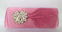 Клатч вечерний розового цвета с брошью в виде цветка