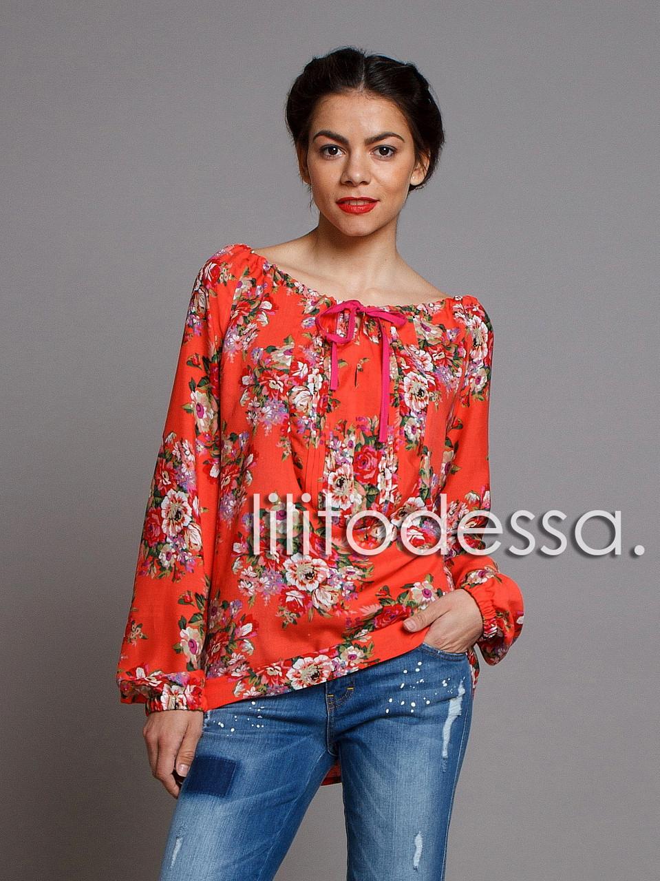 Блуза с широким декольте красный