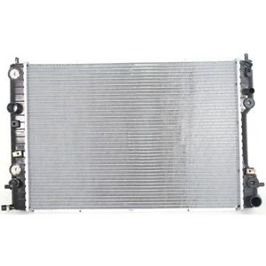 Радиатор охлаждения Opel Omega B 1995-2000 (2.5-3.0 АКП AC+) 653*460*42мм плоские соты
