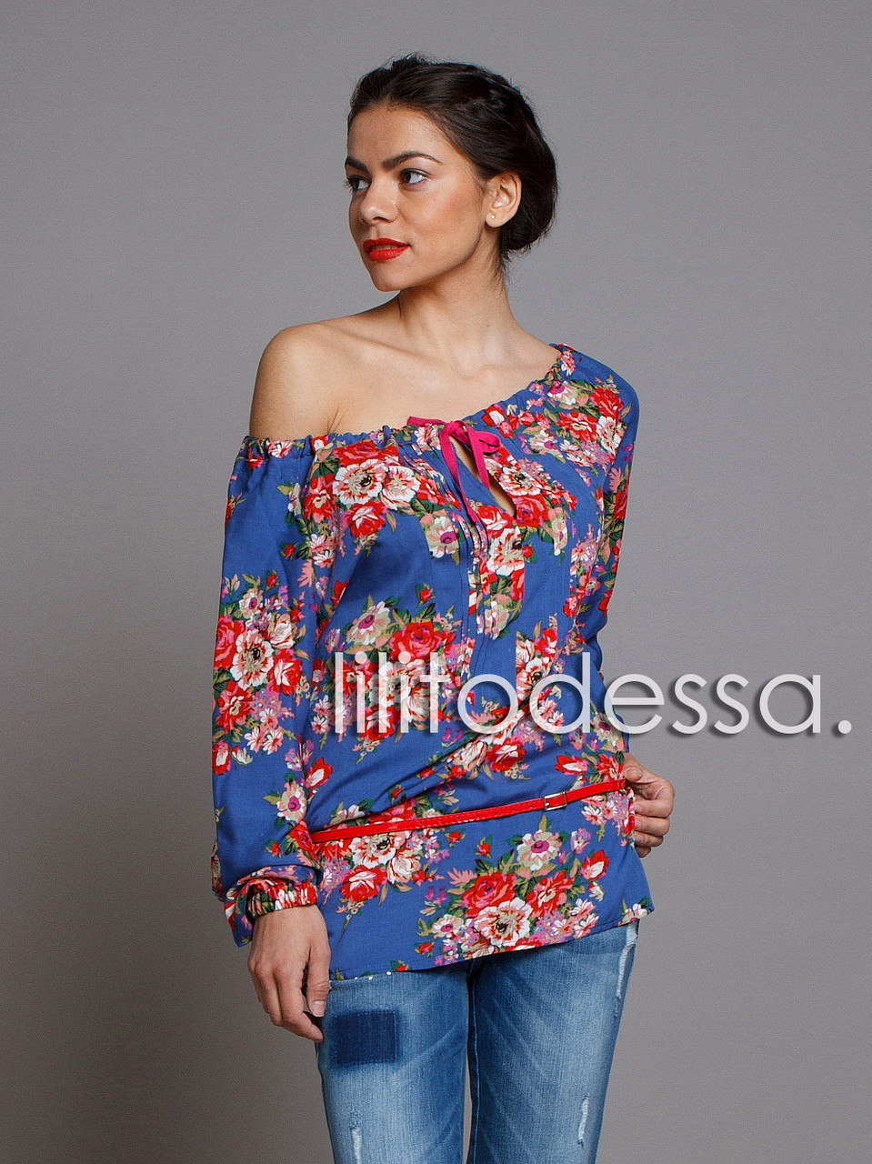 Блуза с широким декольте синий
