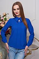 Шифоновая  блуза с оригинальной конструкцией воротника,с центральной планкой расширенной к низу изделия.