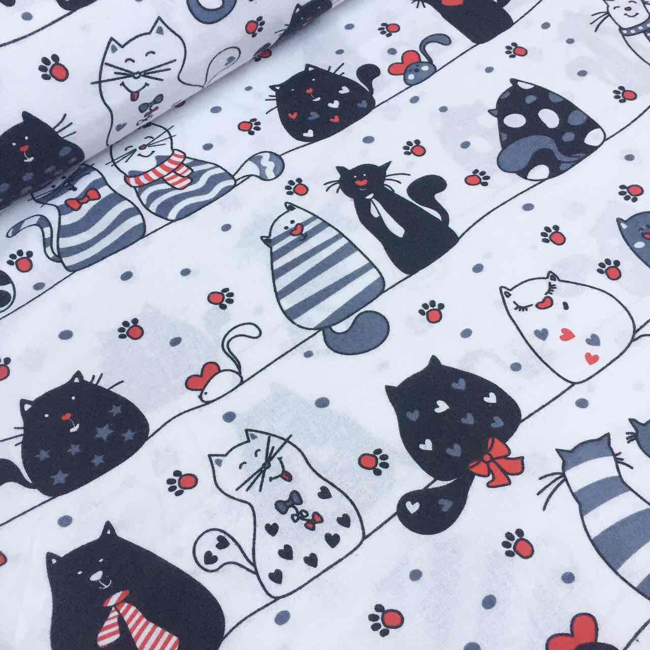"""Фланель  """"Мартовские коты"""" серо-чёрные с красным сердечком на белом фоне № 564"""