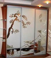 Шкафы-купе с пескоструйным рисунком.