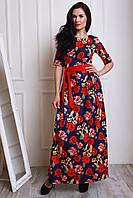 Женское платье в цветы с красным почсом