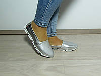 Женские кожаные мокасины серебристого цвета, фото 1