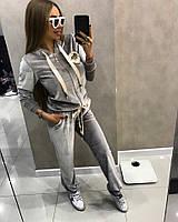 Женский красивый спортивный   костюм  с    атласной лентой,в расцветках