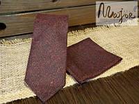 Набор галстука с нагрудным платком бордового цвета однотонный