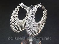 Серьги-кольца, белый металл, белые стразы, D -5,5 см 2_5_56