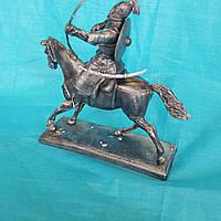 Оловянная фигура.Монгол на коне.