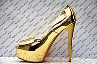 Туфли женские стильные на высоком каблуке лаковые цвет золото