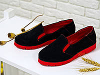 Туфли из натуральной замши черного цвета с красной подкладкой и красной подошвой