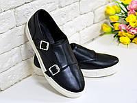 Туфли  из натуральной кожи черного цвета на белой подошве спортивного стиля