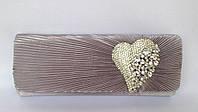 Клатч вечерний с брошью в виде сердца цвет темное серебро
