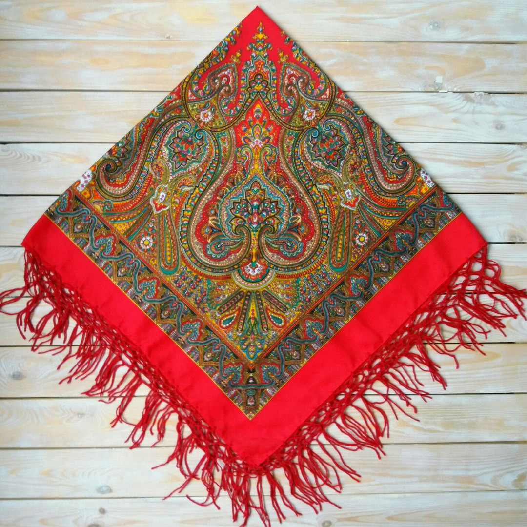 Стильна українська хустина червоного кольору з орнаментом (125х125см, червоний, 100%-акрил)