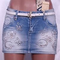 Джинсовая юбка мини с вышивкой и стразами
