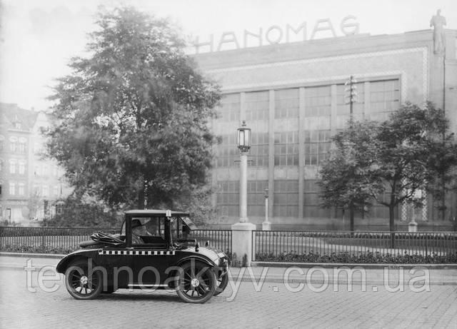 В нач. ХХ века Hanomag получил свою известность через производство недорогих легковых автомобилей
