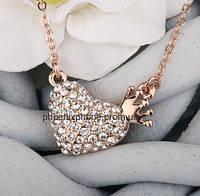 Милый кулон с яркими кристаллами Swarovski, покрытый золотом (303280)
