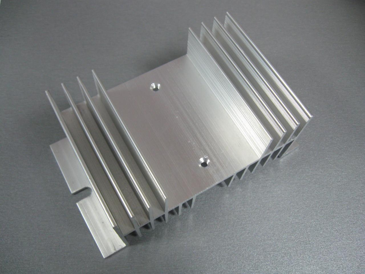 Радиатор охлаждения для реле серий SSR от 40A без вентилятора охлаждения Размеры: 125х71х50 мм