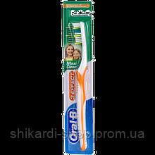 Oral-B Maxi Clean зубная щетка средн. жесткости