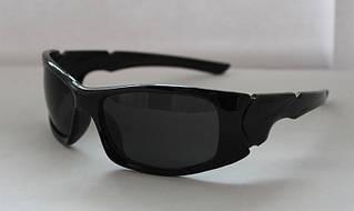Удобные прямоугольные мужские очки от солнца