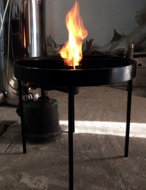 Подставка под автоклав: металл, 4 ножки, выход для подключения газовой/ бензиновой горелки - Сто грамм в Киеве