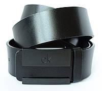 Стильный классический мужской кожаный ремень Calvin Klein под брюки или джинсы с элегантной пряжкой (11226)