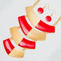 Колье золотистое с красным