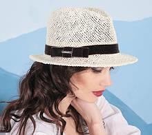 Шляпа для лета с небольшими полями из соломки