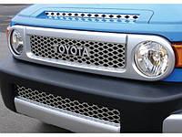 Решетка радиатора + решетка в бампер Toyota FJ Cruiser