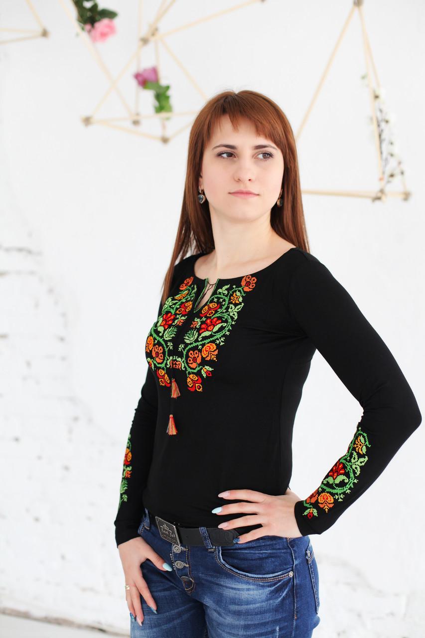 Вишита жіноча футболка Старовинний орнамент В-1