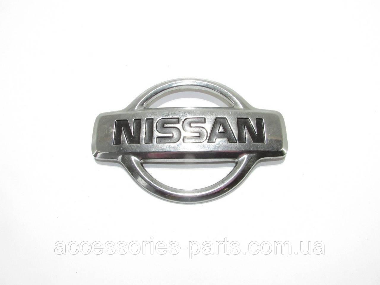 NISSAN Almera  N16 00-2007  Эмблема в решетку радиатора  Новая Оригинальная