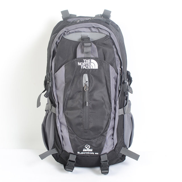 Рюкзак туристический The North Face на 40 л - черный